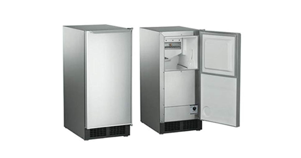 15 W 30 lb Built-In Clear Scotsman DCE33PA-1SSD Ice Maker