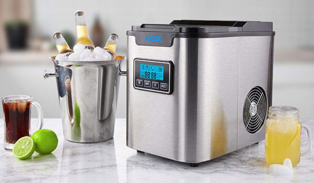 Countertop Ice Maker image